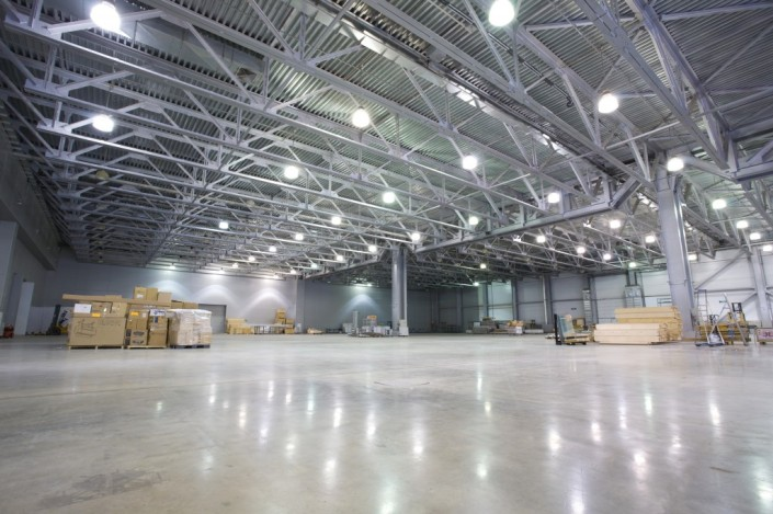 M-lIte High Bay picture of warehouse